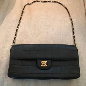 100 percent authentic single flap black quilted